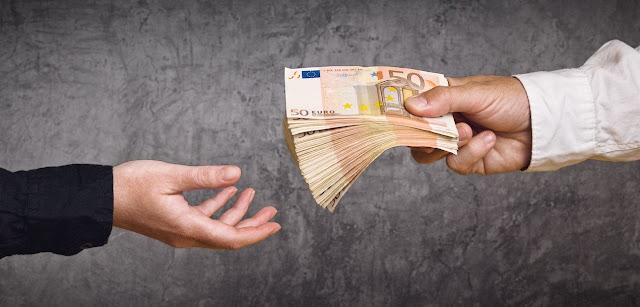 Η «πώληση» των «κόκκινων» δανείων