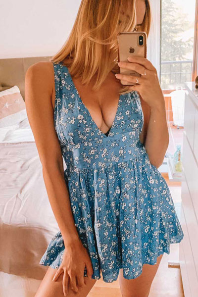 24 Cute Fall Outfits You Should Already Own. Fall Style & Fashion for Women via higiggle.com | floral mini dress | #minidress #falloutfits #style #floral