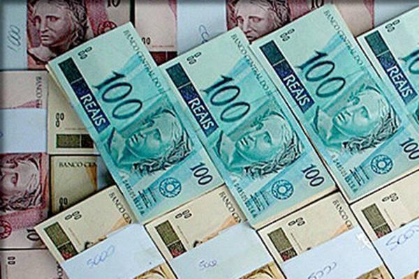 Dinheiro, muito dinheiro no banco