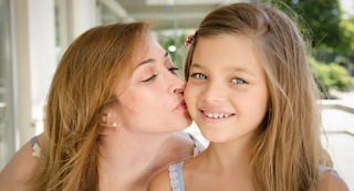 Οι όμορφοι γονείς κάνουν κόρες