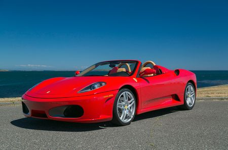 Lionel-messi-car-collection-Messi's-Ferrari-F430-Spider