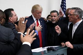 Donald Trump abandonar a los kurdos podría costar el apoyo de los cristianos evangélicos