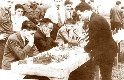 Simultáneas de ajedrez en 1947