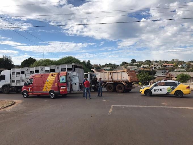 Laranjeiras do Sul: Acidente envolvendo três caminhões é registrado no centro da cidade