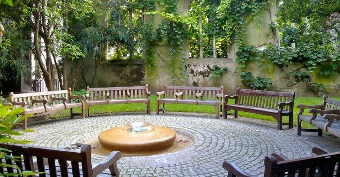 Jardim da Igreja de St. Dunstan