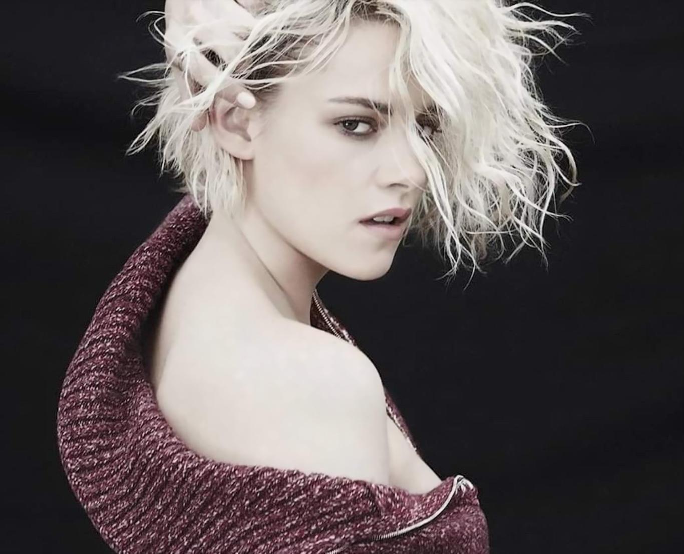 Kristen Stewart Seductive Look Hot Wallpaper
