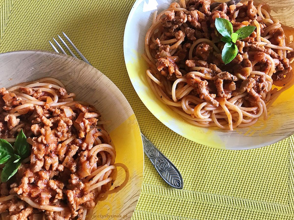 Najprostsze i najpyszniejsze spaghetti w sosie pomidorowym