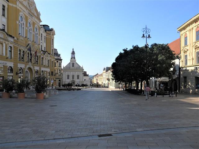 Pecs la piazza centrale del centro storico