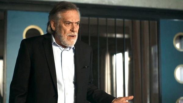 Otávio promete parar de trair Beatriz (Imagem: Reprodução/TV Globo)