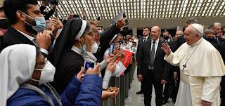 البابا في مقابلته العامة: نحن بحاجة إلى مسيحيين شجعان على مثال إيليا النبي