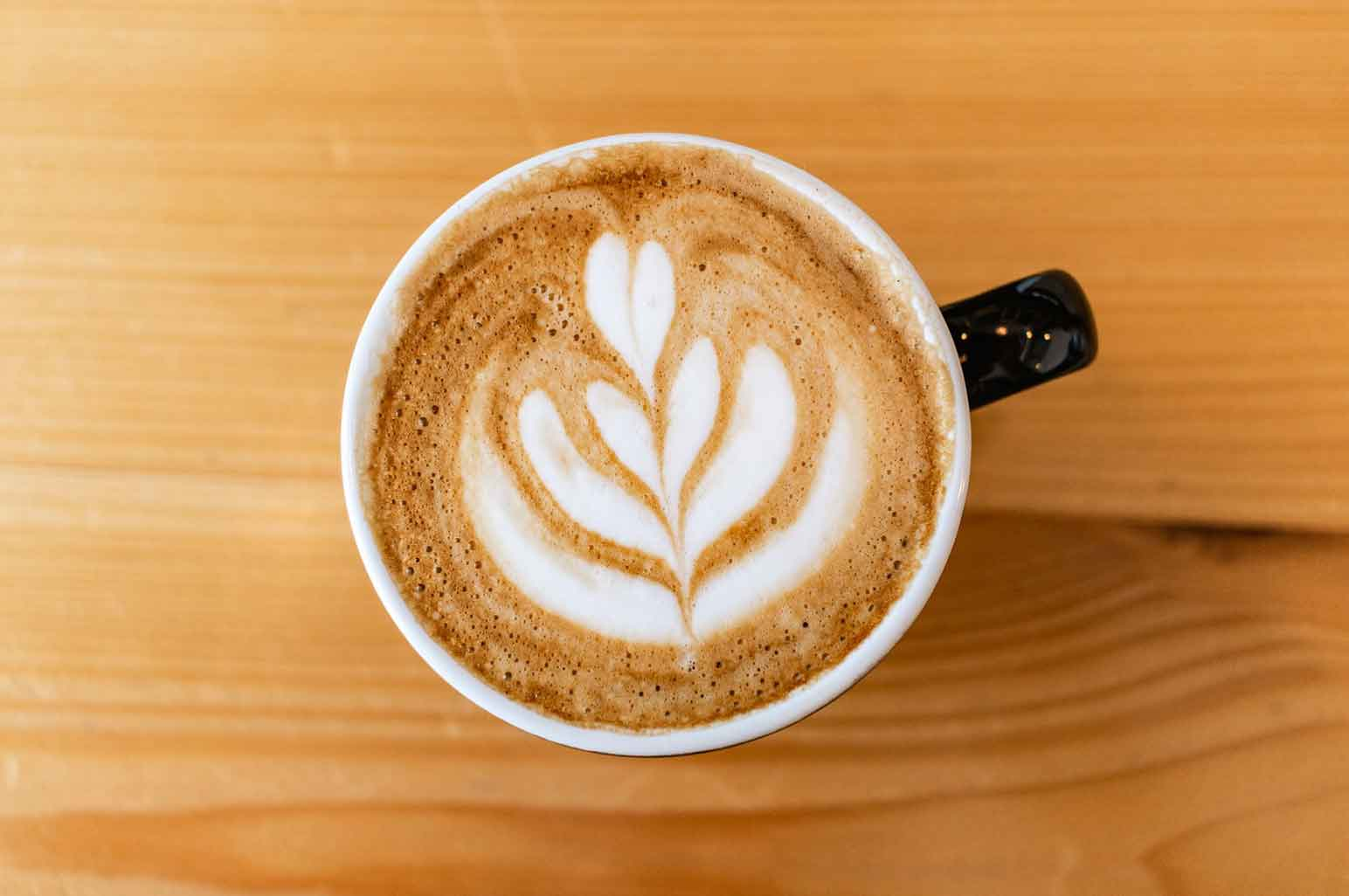 How to Make a Perfect Cup of Latte at Home