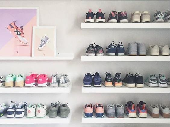 ╳ 100 paires de baskets ⇢ à moins de 100€