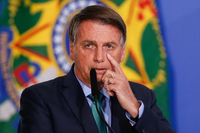 Após derrota do voto impresso, Bolsonaro critica TSE e diz que eleições de 2022 não serão confiáveis