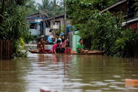 Az EU 10,5 millió euró humanitárius segélyt nyújt dél-ázsiai árvízkárosultaknak