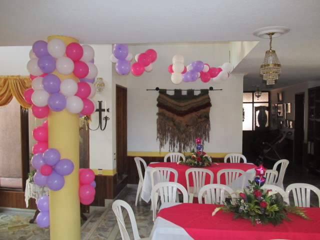 Decoracion con globos para primera comunion 1 fiestas - Decoracion fiesta comunion ...