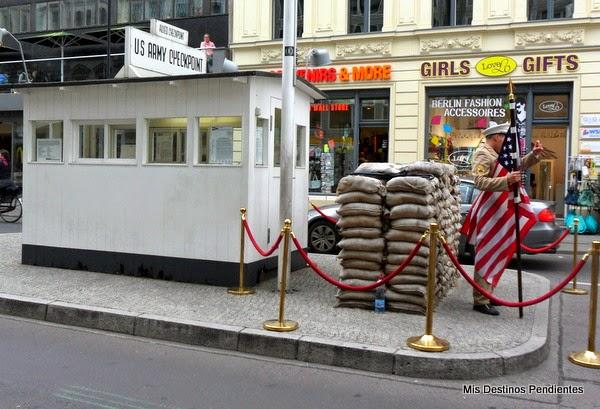 Puesto fronterizo Checkpoint Charlie (Berlín, Alemania)