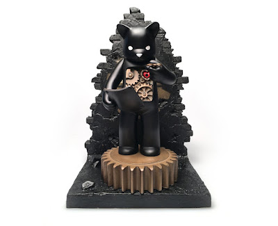 Target: Mechanics of Life Black Edition Custom Figure by Doktor A x Luke Chueh x Munky King