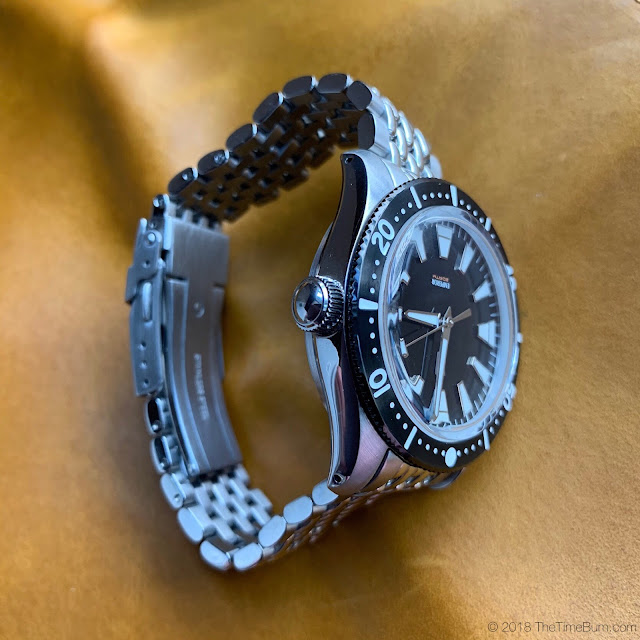 Emperor Diver 2017 WatchUseek F71 Forum Watch side