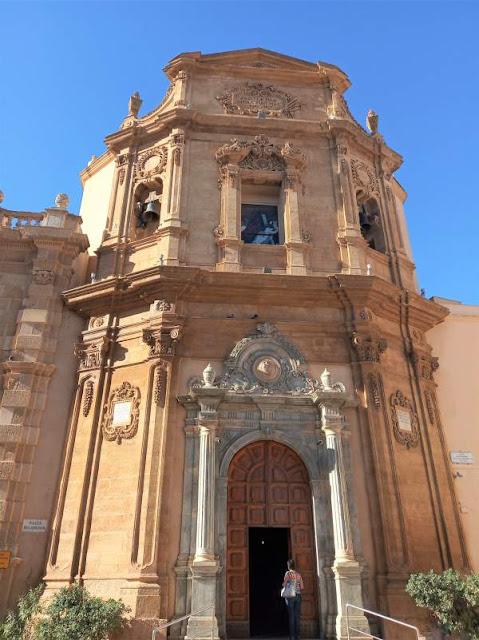 facciata chiesa dell'addolorata