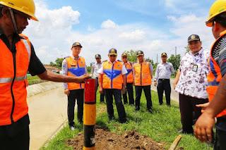Ditjen Hubdat Perbaiki 800 Unit Patok Lalu  Lintas Jalan di Brebes