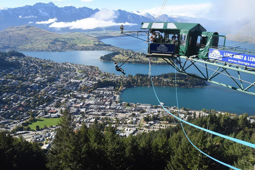 Queenstown Travel New Zealand and Discover the Kiwi Land