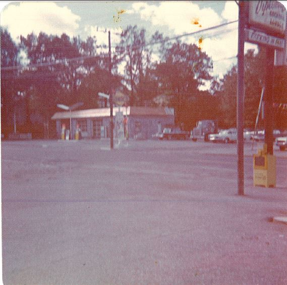 Ef Bb Bf2128 Seasons Corner Market Since 2014 And Sservice Station And Car Wash Since The Mid 70s Used To Be M Bro Car Wash In The Late 60s And Early