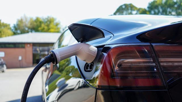 baterai mobil listrik, apa itu baterai mobil listrik, harga baterai mobil listrik, ngecas baterai mobil listrik, baterai mobil listrik ngecas super cepat, baterai mobil listrik tesla
