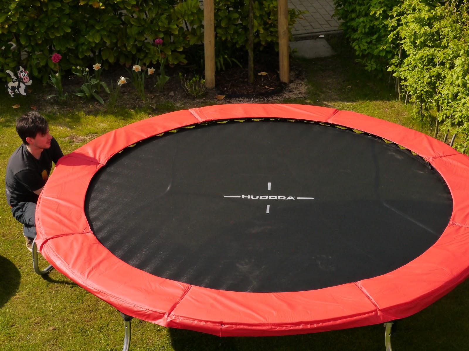 Klettergerüst Hudora : Im test das hudora fantastic v trampolin lari lara eine