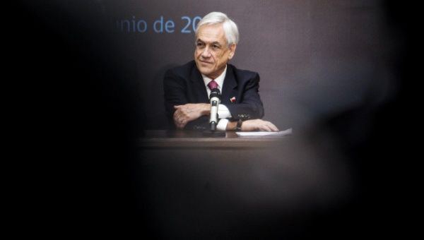 Presidente chileno sufre caída en nivel de popularidad