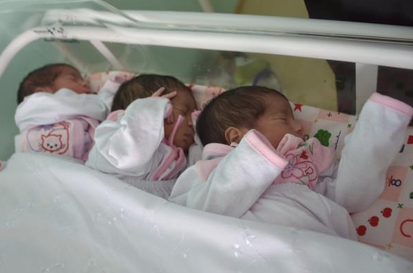 Jovem de 19 anos dá à luz a trigêmeas no Hospital Regional de Santana do Ipanema