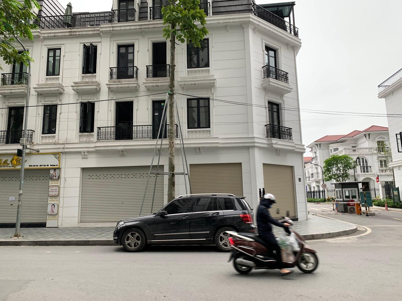 cho thuê các biệt thự embassy garden