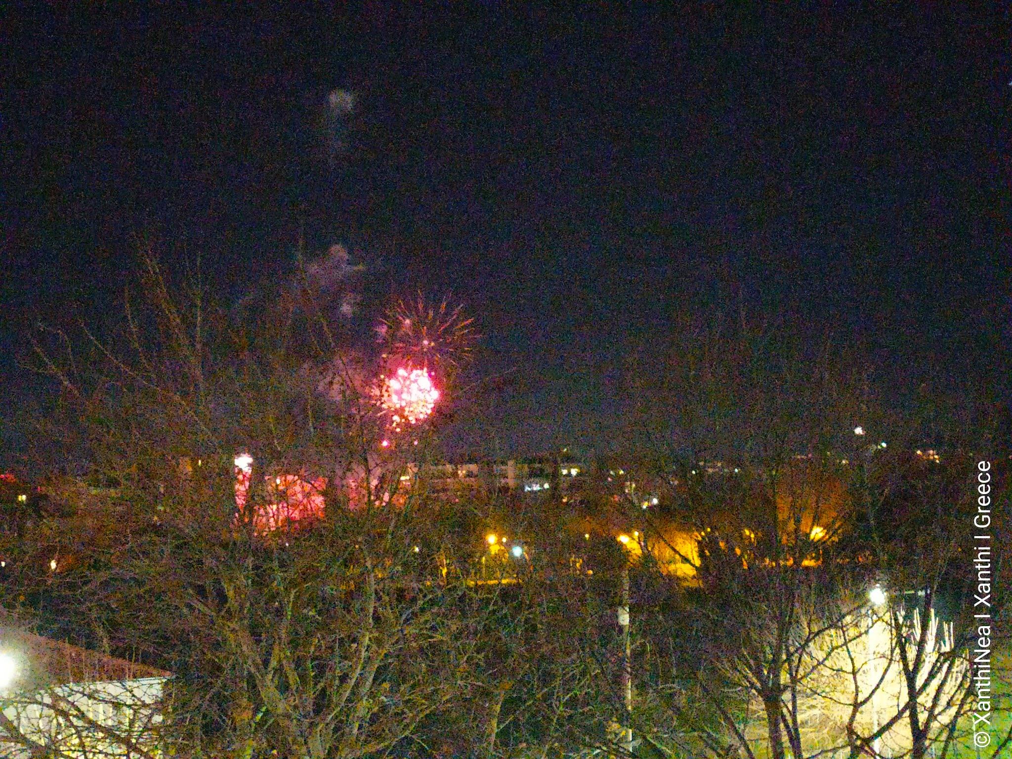 Με βροχή πυροτεχνημάτων η Ξάνθη υποδέχθηκε το 2021 - ΒΙΝΤΕΟ
