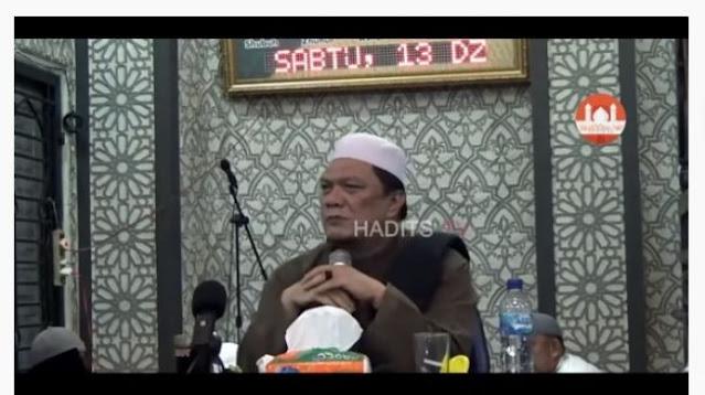 Ustaz Yahya Waloni: Jangan Munafik Bikin Aturan, Corona Nggak Masuk Masjid!