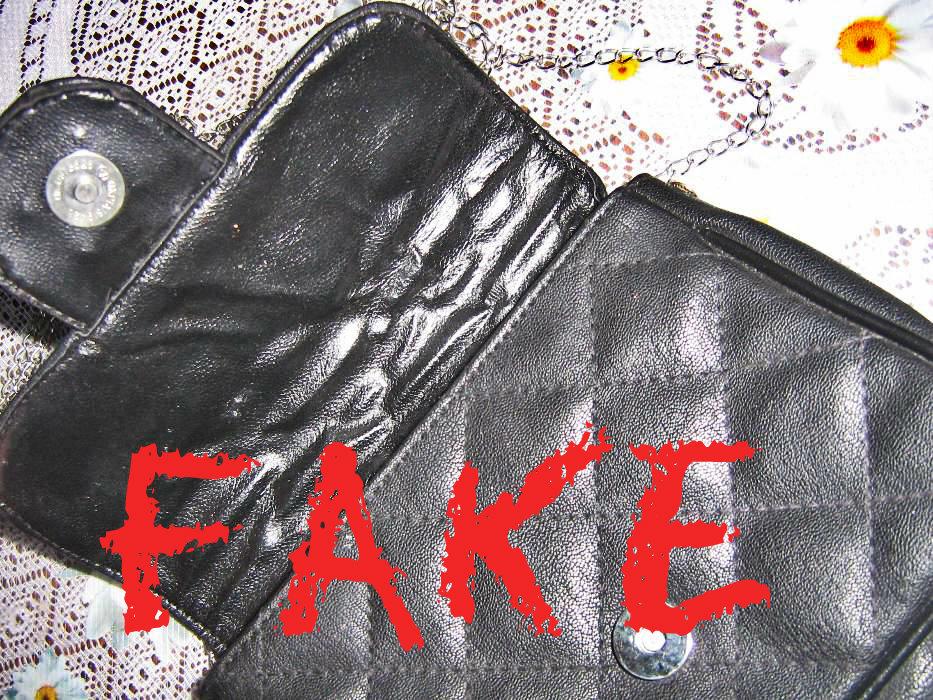 3c288ab9aa4a4 oryginalna torebka Chanel model Flap 2.55 klasyczna kopertówka. Pasek od  torebki  jest ciężki. to dosyć istotny punkt
