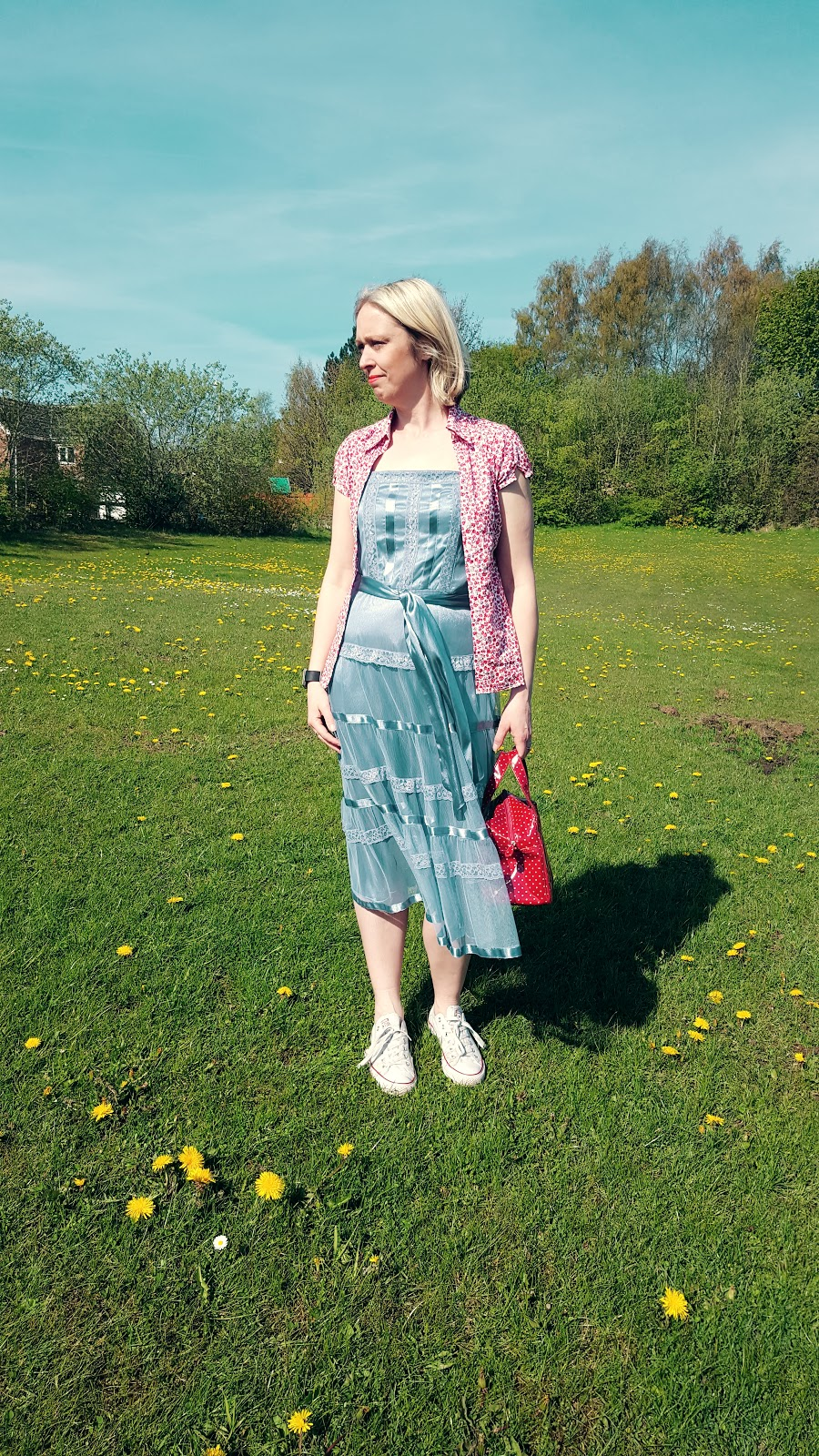 Carrie Bradshaw Dress With Floral Top And Converse