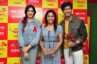 Vidyut Jamwal Adah Sharma Commando 2 Movie Team at Radio Mirchi 95  0052.jpg