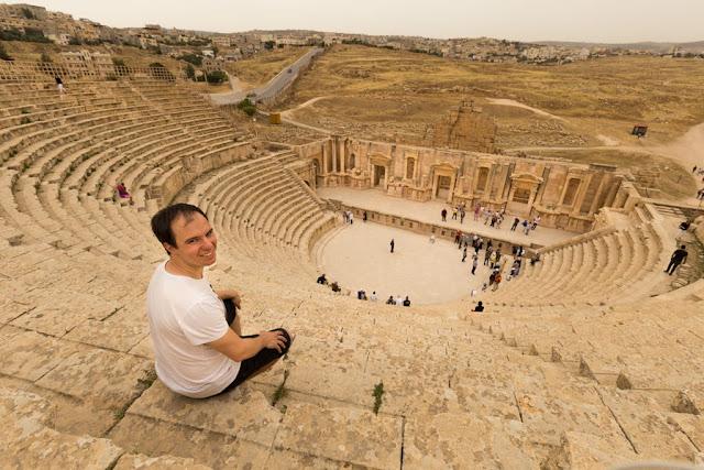 Alberto en el Teatro Sur de Jerash
