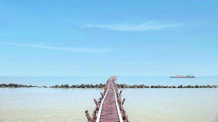 8 Wisata Pantai di Indramayu yang Bagus dan Menarik Dikunjungi