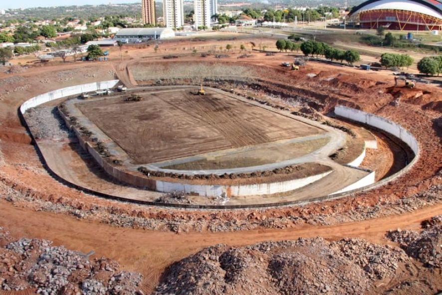 Estádio Verdão sem gramado e arquibancada