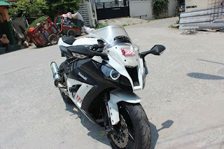 URSA MOGE BEKAS : Dijual Kawasaki ZX10R - JAKARTA