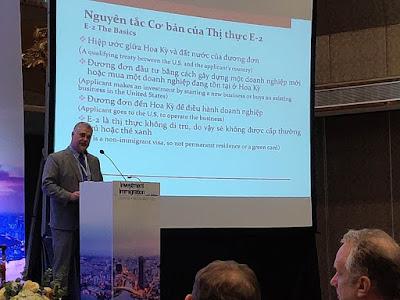 Nhà sáng lập - Luật sư David Enterline diễn thuyết tại Hội nghị Thượng đỉnh Di trú Nhập cư