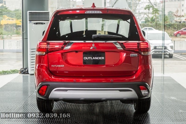 Phần đuôi xe Mitsubishi Outlander 2020 facelift