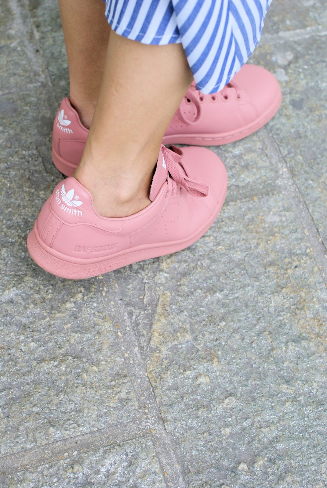 Pink Adidas Stan Smith sneakers on Fashion and Cookies fashion blog, fashion blogger style