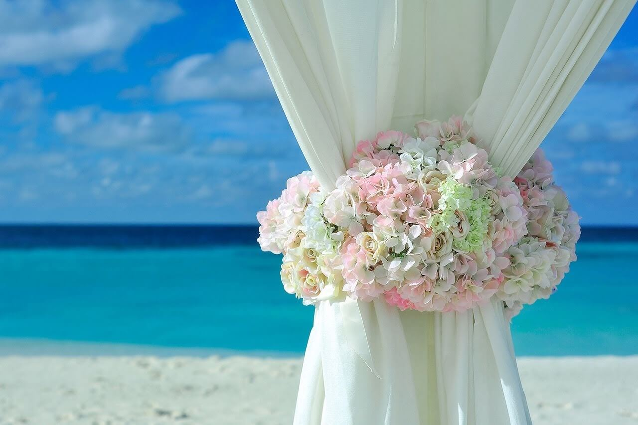 Dreaming-about-beach-wedding-in-australia