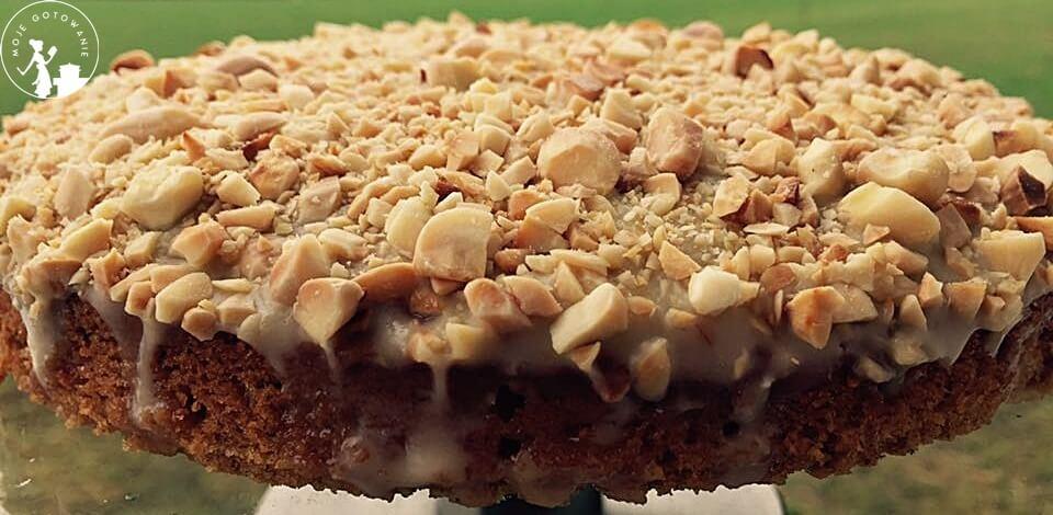 Ciasto dyniowe z białą czekoladą i orzechami włoskimi