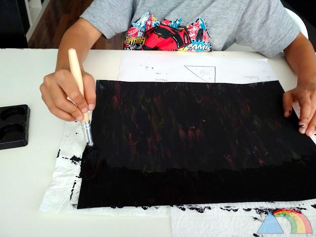 Segunda mano de pintura negra