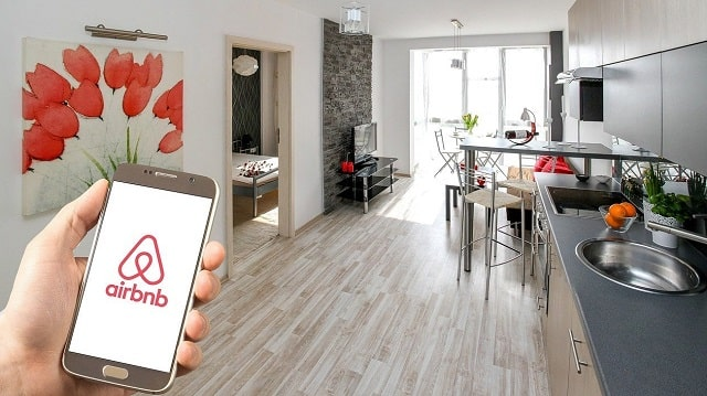 how to manage your airbnb rental property cleaning