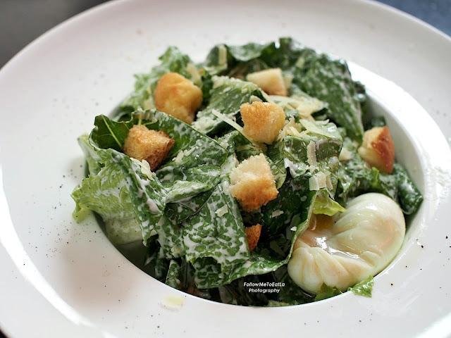 Classic Caesar Salad  RM 26