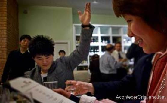 Joven chino aprendido inglés