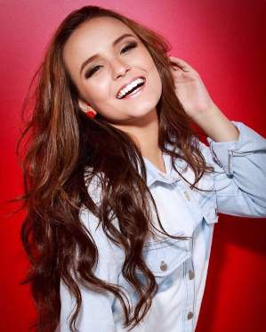 Larissa Manoela quer se casar virgem   É algo que Deus espera da gente  4d3d21e34d